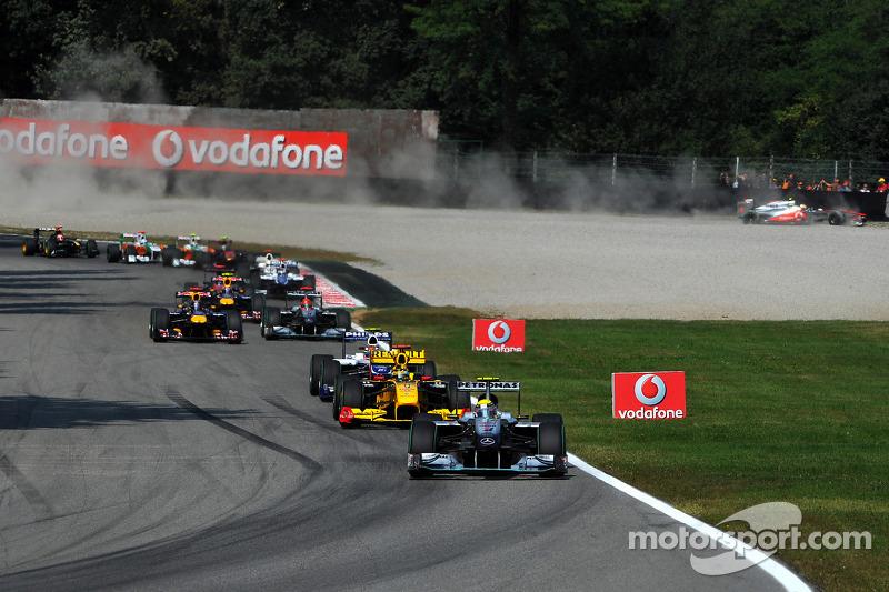 Trouble for Lewis Hamilton, McLaren Mercedes