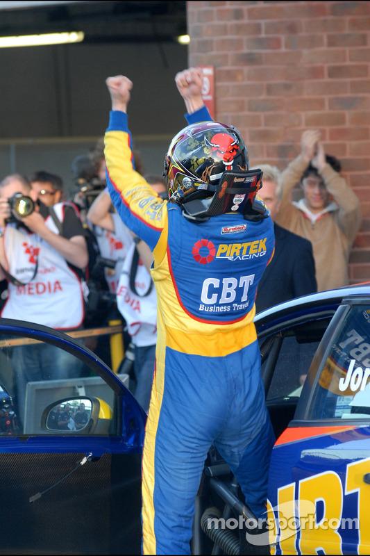 Race winnaar Andrew Jordan