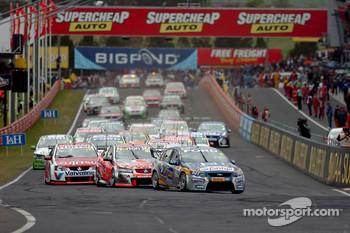 2010 Bathurst 1000 race start