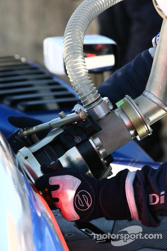 Team Peugeot tanken