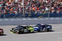 Dale Earnhardt Jr., Hendrick Motorsports Chevrolet, Kurt Busch, Penske Racing Dodge