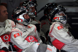 Mclaren mechanic watch the race