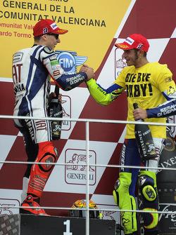 Podium: race winnaar Jorge Lorenzo, Fiat Yamaha Team, 3de Valentino Rossi, Fiat Yamaha Team