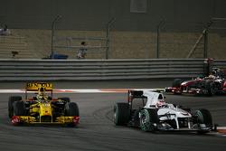 Robert Kubica, Renault F1 Team y Kamui Kobayashi, BMW Sauber F1 Team