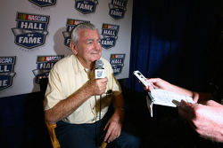 Championship contenders pre-race press conference: Bobby Allison
