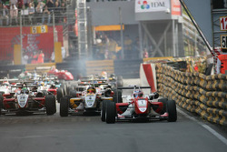 Start of the race, Edoardo Mortara, Signature