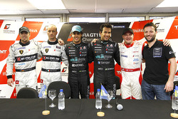 Pole winners Alexandre Negrao and Enrique Bernoldi, second place Nicky Pastorelli and Dominik Schwager, third place Darren Turner and Tomas Enge