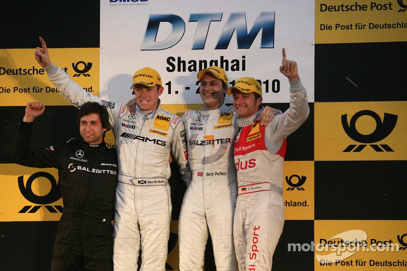 Podium: race winnaar Gary Paffett, Team HWA AMG Mercedes, 2de Paul di Resta, Team HWA AMG Mercedes,