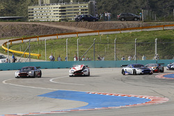 Start: #8 Young Driver AMR Aston Martin DB9: Stefan Mücke, Jose Maria Lopez in trouble