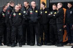 Lotus Renault GP mechanics