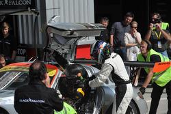 Pit stop for #7 Black Falcon Mercedes Benz SLS AMG GT3: Thomas Jäger, Kenneth Heyer, Jan Seyffarth, Sean Paul Breslin