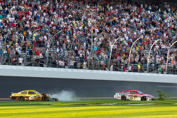 David Ragan, Roush Fenway Racing Ford and Trevor Bayne, Wood Brothers Racing Ford crash