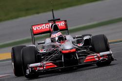 Jenson Button, McLaren Mercedes uses a test front wing