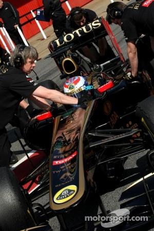 Aero updates for Lotus Renault at Valencia
