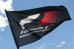 Lehman sells F1 shares
