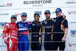 Podio: ganador Roy Nissany, Matthieu Vaxivière el segundo lugar y tercer lugar Rene Binder, mejor Novato Pietro Fittipaldi
