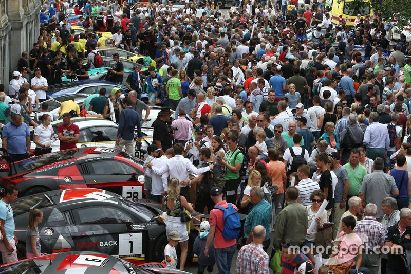 De GT3 bolides trokken veel bekijks