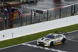 I vincitori della gara #99 Rowe Racing, BMW M6 GT3: Maxime Martin, Philipp Eng, Alexander Sims