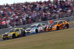 Adam Morgan, WIX Racing; Tom Ingram, Speedworks Motorsport; Matt Neal, Halfords Yuasa Racing