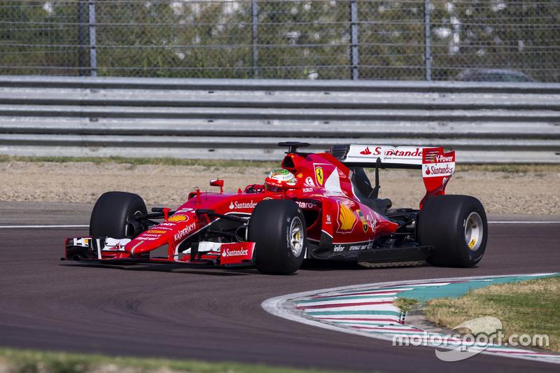 2016 Esteban Gutiérrez, Ferrari pruebas de la especificación de Pirelli 2017