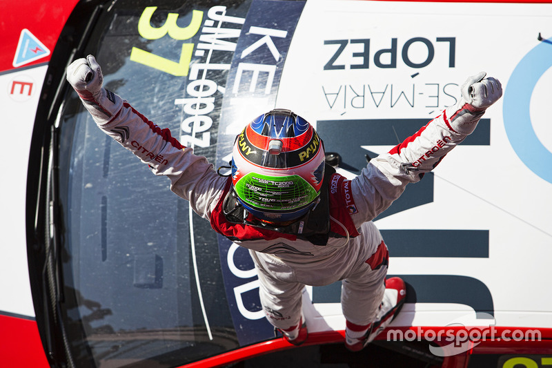 Winner José María López, Citroën World Touring Car Team, Citroën C-Elysée WTCC