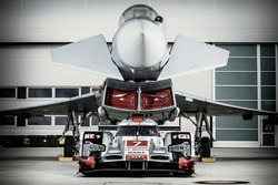 Audi R18 und Eurofighter Typhoon