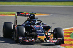 Carlos Sainz Jr., Scuderia Toro Rosso STR11 mit dem Halo Cockpitschutz