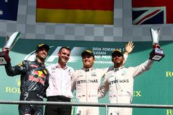 Podium: Sieger Nico Rosberg, Mercedes AMG Petronas F1 W07; 2. Daniel Ricciardo, Red Bull Racing RB12; 3. Lewis Hamilton, Mercedes AMG F1 W07