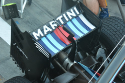 Williams FW38, Rear wing