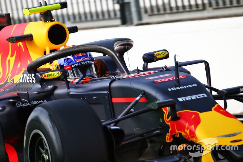 Max Verstappen, Red Bull Racing RB12 con el dispositivo Halo