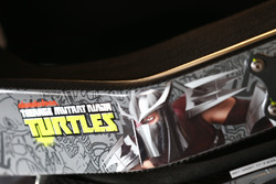 Logotipo de Mutant Ninja Turtles adolescentes en el coche de Darrell Wallace Jr., Roush Fenway Racing Ford