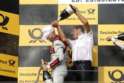 Podyum: 1. Edoardo Mortara Audi Sport Team Abt Sportsline, Audi RS 5 DTM ve Hans-Jurgen Abt, Abt-Audi Takım Patronu