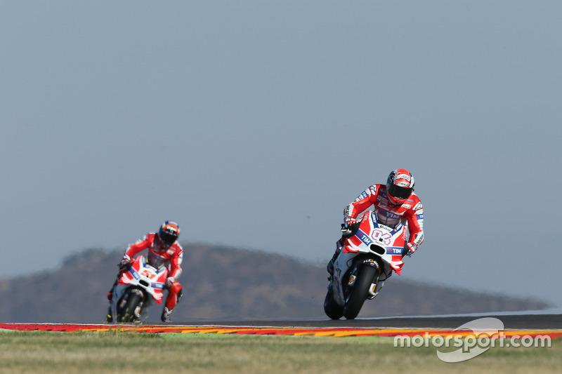 Indes fährt Ducati mit Dovizioso und Pirro an den Top 10 vorbei
