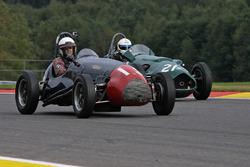 #19 Cooper-Bristol Mk2 (1953): Paul Grant; #21 Alta F2 (1952): Ian Nuthall