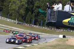 Start: #60 Michael Shank Racing with Curb/Agajanian, Ligier JS P2 Honda: John Pew, Oswaldo Negri Jr., Olivier Pla, führt