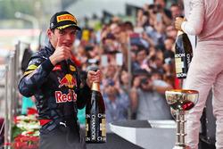 Max Verstappen, Red Bull Racing festeggia il suo secondo posto sul podio