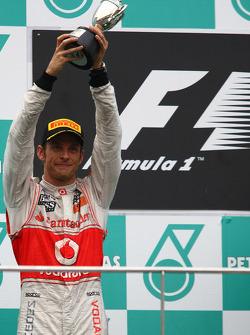 Podio: segundo lugar de Jenson Button, McLaren Mercedes