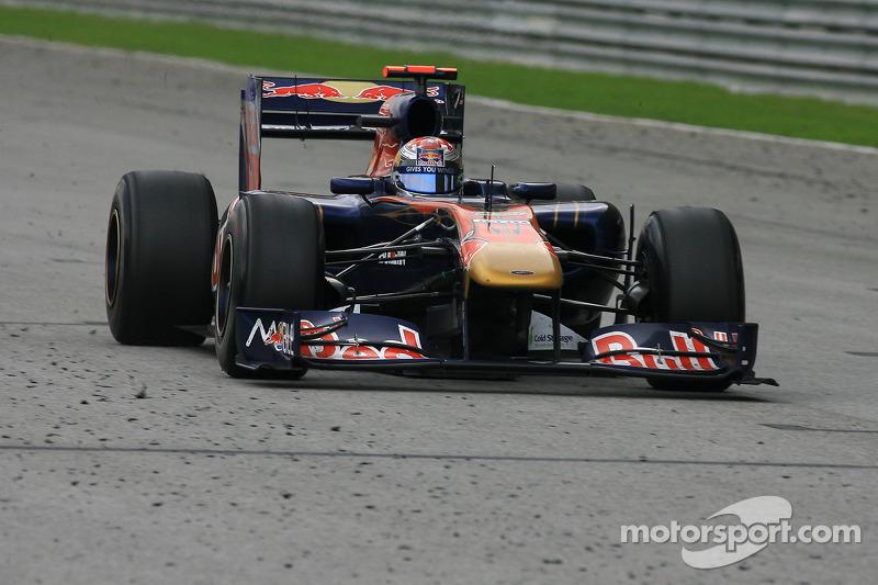 2011: Toro Rosso STR6 Ferrari (два седьмых места, 8-е место в КК)