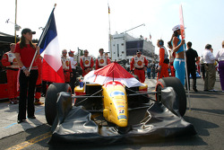 The car of Sébastien Bourdais on the starting grid