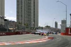 Start: Sébastien Bourdais leads while Oriol Servia and Cristiano da Matta crash