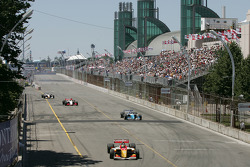 Sébastien Bourdais leads the field on pace laps