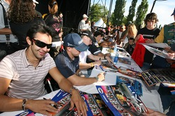 Autograph session: Antonio Pizzonia