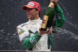 Podium: champagne for Jan Heylen