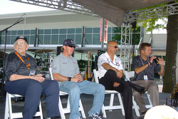 Press conference: Tom Carnegie, Buddy Rice and Bobby Rahal