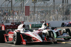 Darren Manning and Tony Kanaan battle