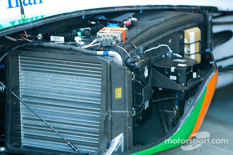 L'électronique et les radiateurs d'IndyCar