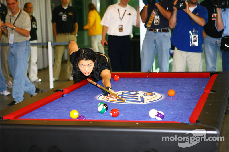Le star du billard Jeanette Lee