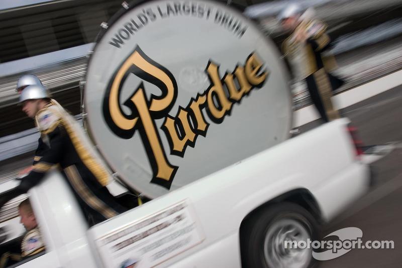 Purdue's World's Largest Drum en course