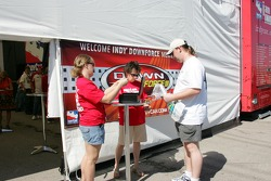 Fans signs up for DownForce