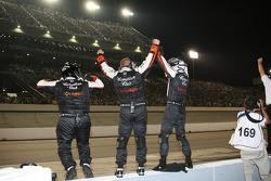 Les mécaniciens d'Andretti-Green Racing fêtent la victoire